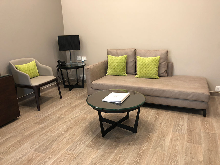 suite room couch at CK Birla Hospital, Multispeciality hospital in Gurgaon, best hospital in Gurgaon, maternity hospital in gurgaon